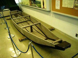 保津川の木造船